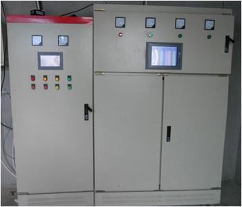 PLC控制柜是指可编程控制柜,控制柜指成套的控制柜,可实现电机,开关的控制的电气柜.PLC控制柜具有过载,短路,缺相保护等保护功能.