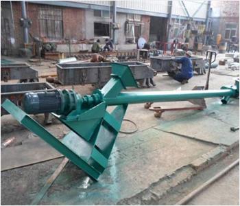 移动式螺旋输送机采用优质钢管,整体钢性好;双节距叶片,减少物料输送中被压缩程度;采用优质减速箱,重型设计,具有转矩大,噪音低等特性.