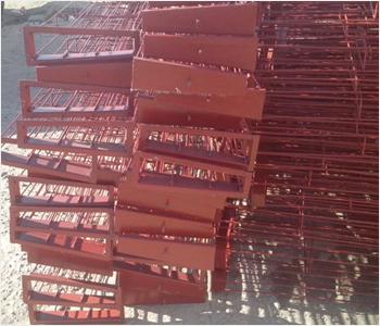 梯形骨架又叫梯形框架,梯形manbetx官方网站手机版骨架,梯形袋笼,梯形笼骨,是采用专用设备一次焊接成型的.